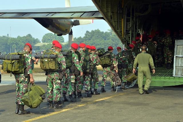 TNI Kerahkan 142 Prajurit Kopassus ke Gunung Rinjani