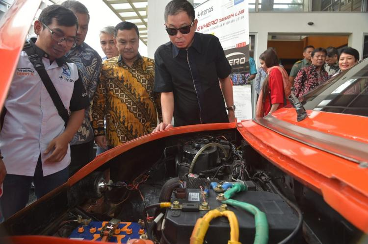 Kementerian ESDM Siapkan Infrastruktur Pendukung Mobil Listrik