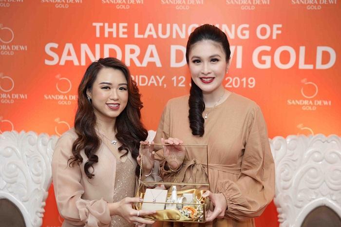 Sandra Dewi Gold Jadi Brand Perhiasan Emas Selebriti Pertama di Indonesia