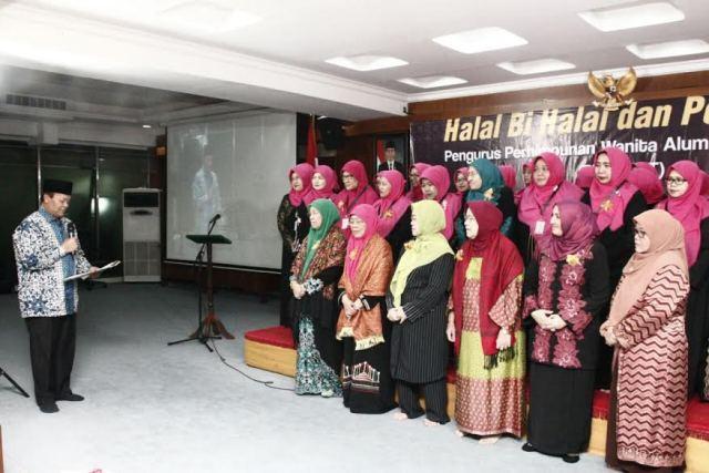 Hidayat Berharap Para Wanita Alumni Timur Tengah Jadi Teladan Umat dan Bangsa