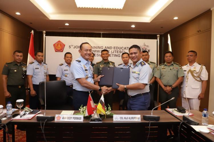 Aspers Panglima TNI : Sidang JETSC Brunesia Tahun 2019 Tingkatkan Kerjasama Bidang Pendidikan dan Latihan