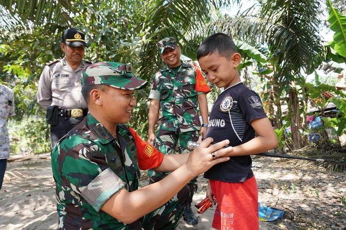 Pegang Tongkat Komando, Bocah Kelas 2 SD Kelak Ingin Jadi Dandim