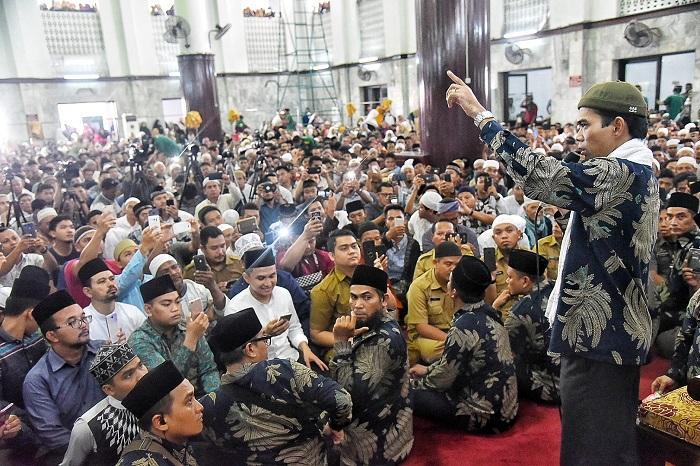Tabligh Akbar di Masjid Agung Medan Bersama UAS, Gubernur Sumut Ingatkan Manfaat Sedekah