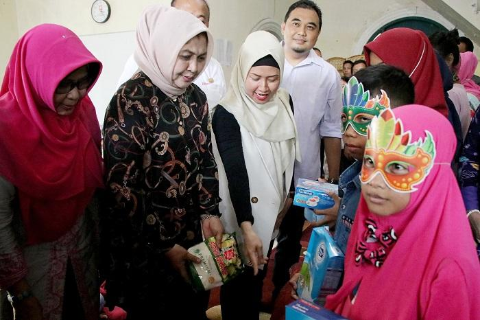 Peduli Terhadap Nasib ADHA, Nawal Edy Rahmayadi Dinobatkan Sebagai Ibu Asuh ADHA