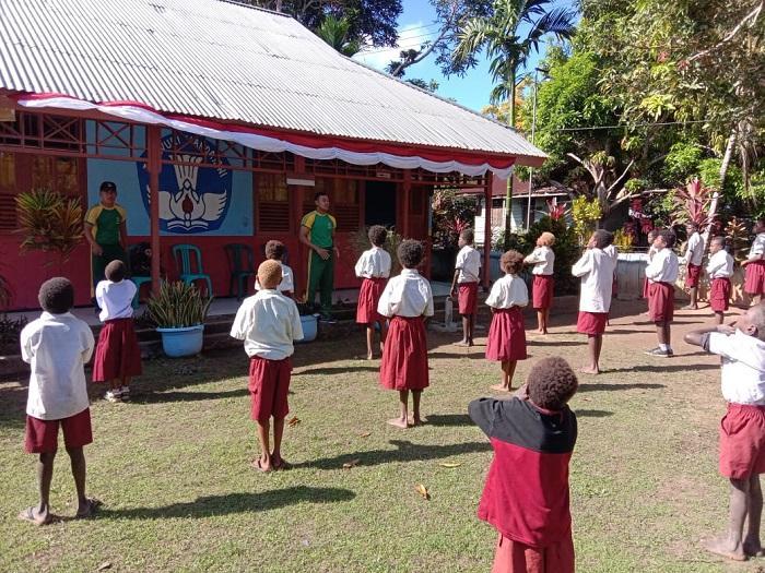 Satgas Yonif 411 Kostrad Ajarkan Anak Papua Pola Hidup Jantung Sehat