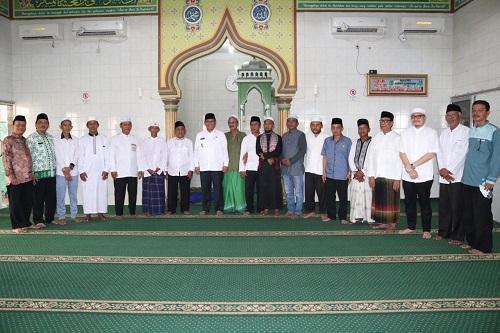 Walikota Letakkan Batu Pertama Renovasi Masjid Ash Shabirin di Medan Labuhan