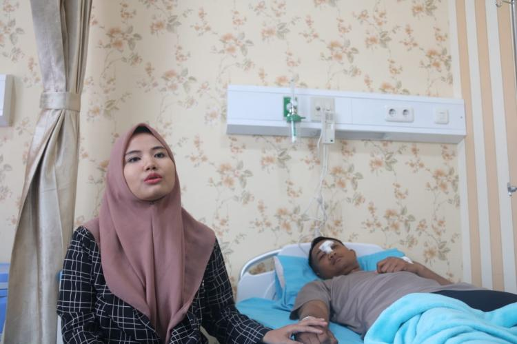 Terluka Saat Demo, Pertunangan Briptu Charis Terpaksa Ditunda
