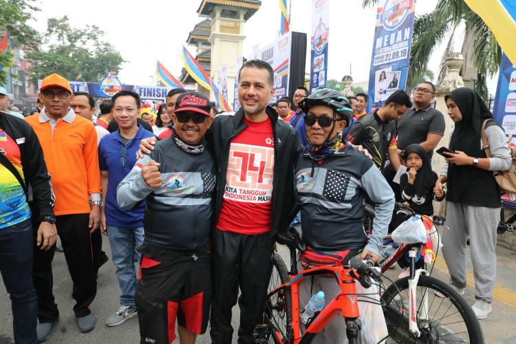 Lepas Ribuan Peserta Fun Bike, Wagub Ajak Masyarakat Biasakan Naik Sepeda
