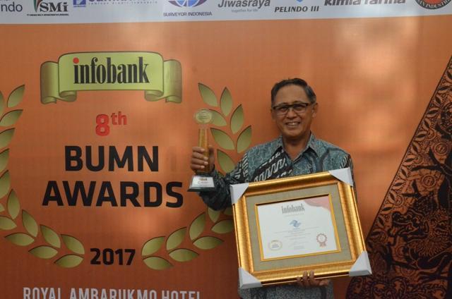 Pelindo 1 Raih Golden Trophy 'Infobank BUMN Awards 2017'