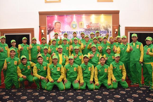 Gubernur Lepas Kontingan POMNas Sumut ke Makassar