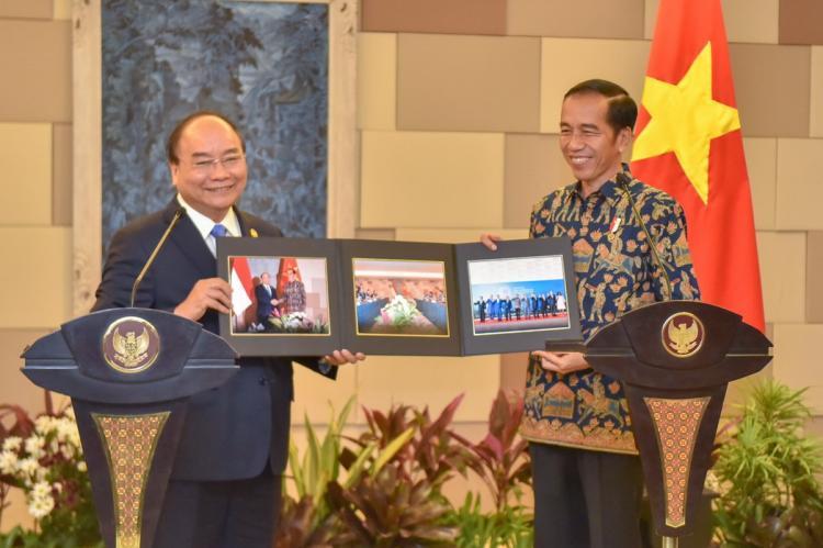 Termasuk Soal Ekspor Mobil Indonesia, Presiden Jokowi Sampaikan 5 Hal kepada PM Vietnam