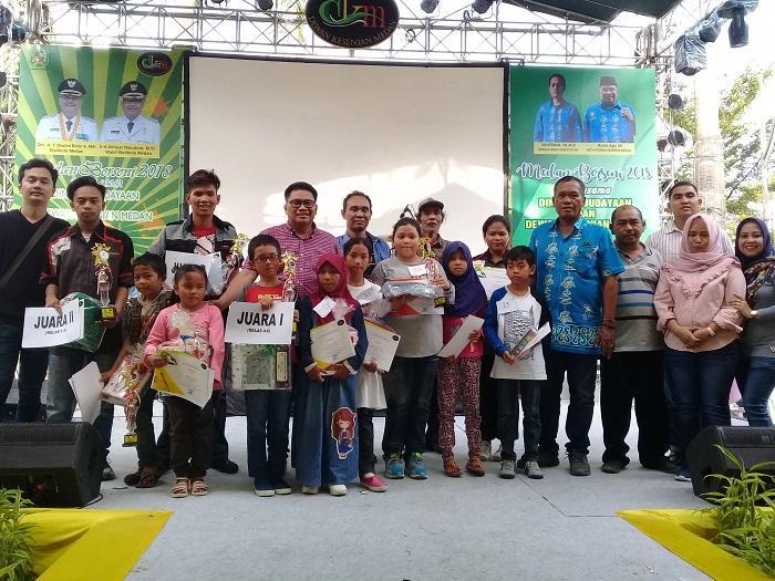 Siswa SD Tuangkan Keberagaman Kota Medan Melalui Lukisan