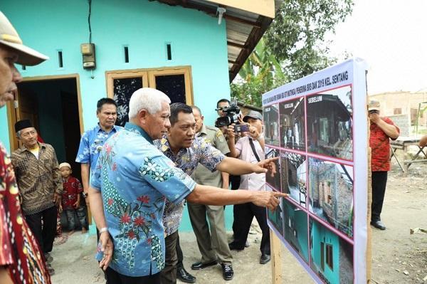 Pemkab Asahan Serahkan Bantuan Rumah Swadaya Serta Pengukuhan Duta Gerakan Berantas Kumuh Tahun 2019