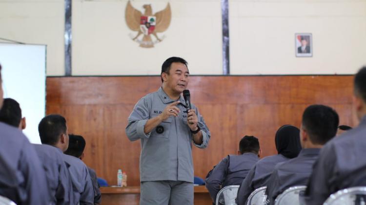 Direktur Operasi Laut Bakamla RI Berikan Kuliah Umum di Lemdiklat Polri