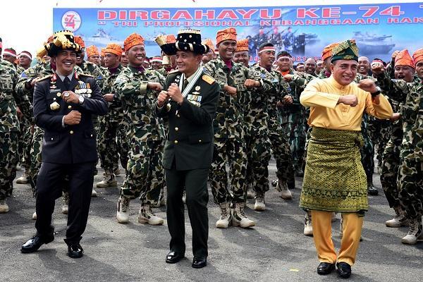 Peringatan HUT ke-74 TNI, Gubernur Sumut: TNI Harus Tetap Jadi Kebanggaan Rakyat