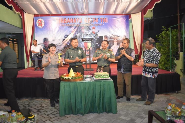 Rayakan HUT TNI, Kodim Surabaya Timur Rangkul Masyarakat