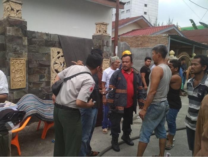 Kebakaran Rumah Kos Jalan Pintu Air, BPBD Medan Turunkan 4 Unit Mobil Pemadam