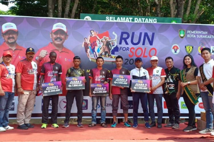Pelari Yonif 411 Pandawa Kostrad Raih Juara di Ajang Run For Solo 2019
