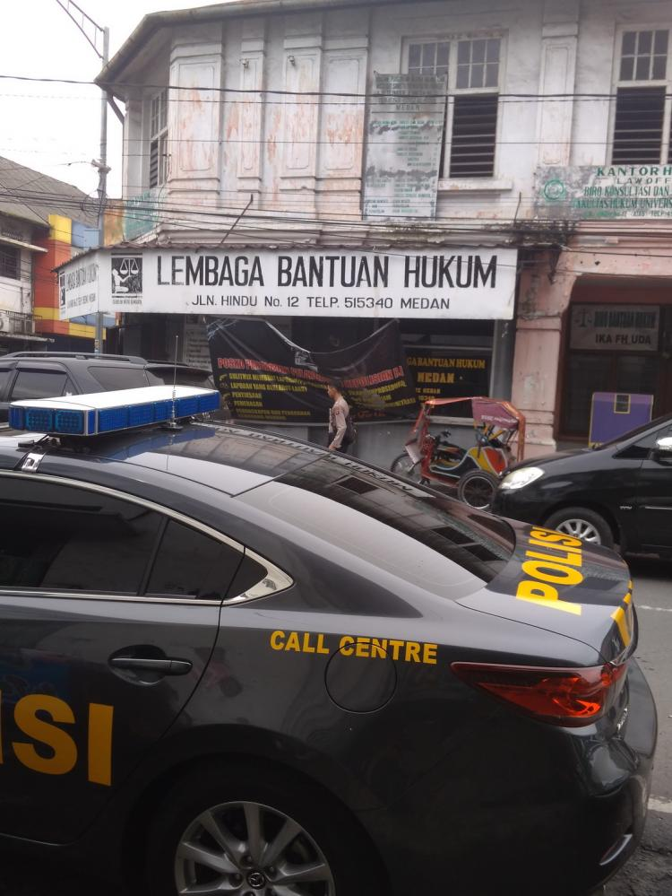 Gedung LBH Medan Dilempari Bom  Molotov