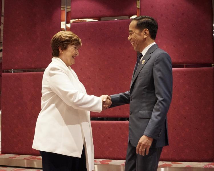 Bertemu di Bangkok, Presiden Jokowi dan Managing Director IMF Bahas Ekonomi
