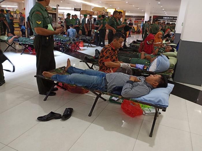 HUT Kodam V/Brawijaya ke-71, Ratusan Prajurit Korem 082/CPYJ Ikuti Donor Darah