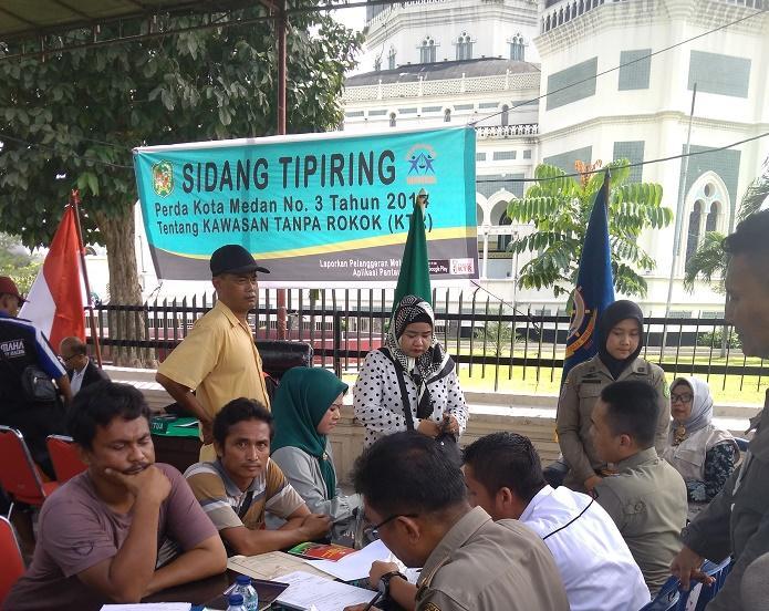 Jaga Kawasan Tanpa Rokok di Kota Medan, Satpol PP Razia Perokok di Zona KTR
