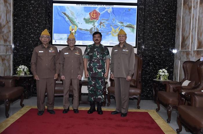 Panglima TNI Terima Kunjungan Ketua Umum LVRI