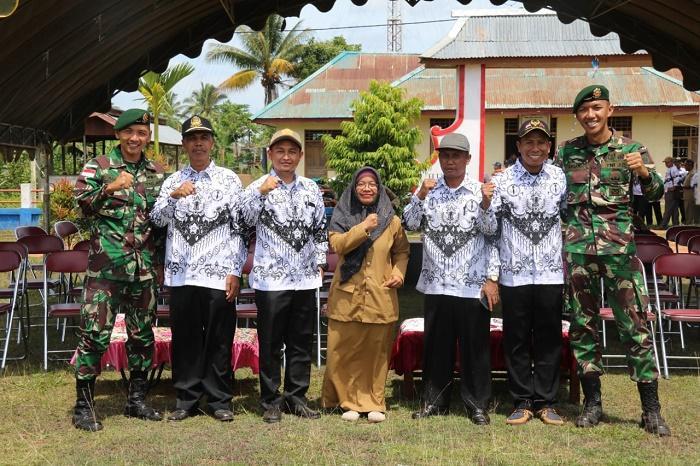 Satgas Yonif/411 Kostrad Hadiri Upacara HUT ke-74 PGRI dan Hari Guru Nasional di Merauke
