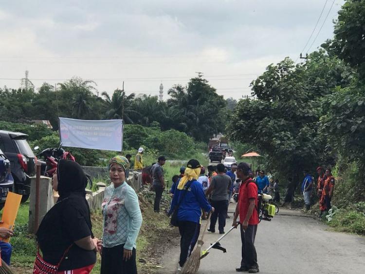 Peduli Lingkungan, Warga di Kecamatan Medan Johor Gelar Gotong Royong Bersama