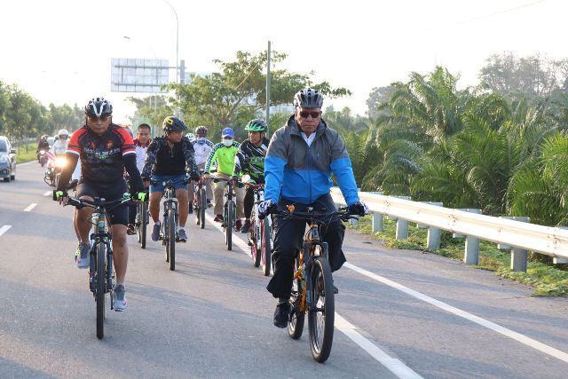 Kapoldasu Bersepeda Tinjau Sejumlah Desa di Deli Serdang, Wanti-Wanti Masalah Dana Desa dan Sertifikat Tanah