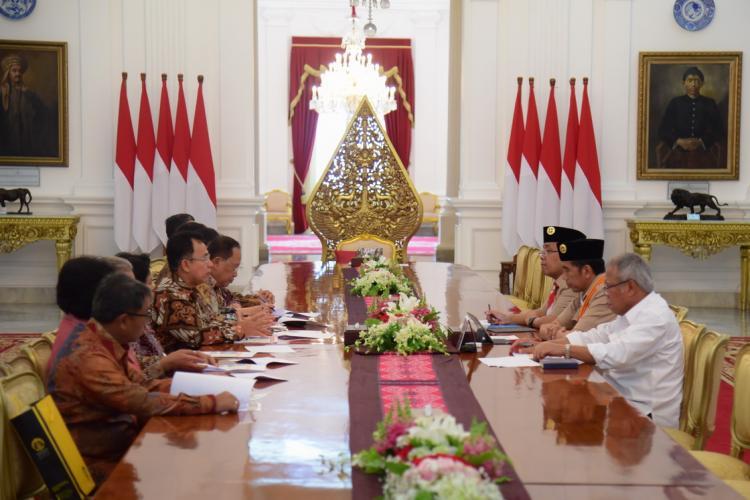 Di Istana Merdeka, Presiden Jokowi Menerima Pimpinan Rektorat Universitas Indonesia