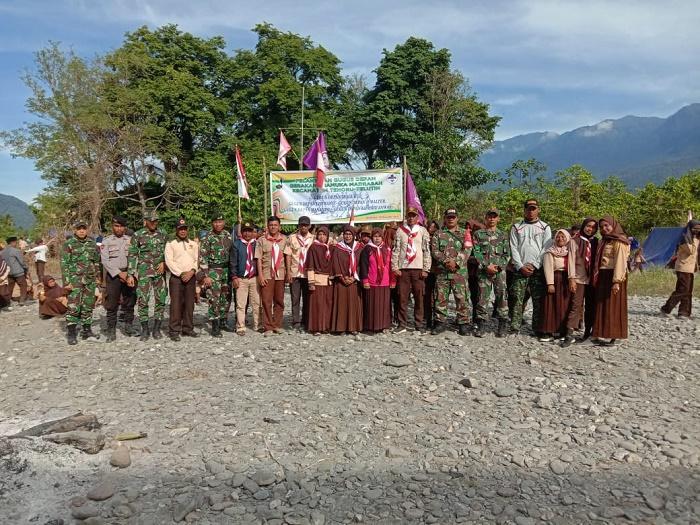 Satgas Yonif Raider Khusus 136/Tuah Sakti Dukung Gerakan Pramuka di Tehoru Maluku