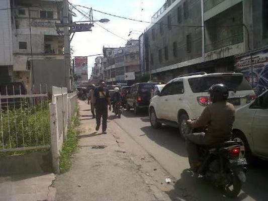 Traffic Light Mati, Macet Parah di Jalan Merbabu Hingga ke Jalan Pandu