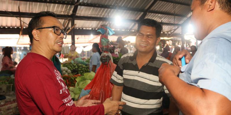 Usai Kunjungi Korban Banjir, Ramadhan Blusukan Lagi ke Pasar Tradisional