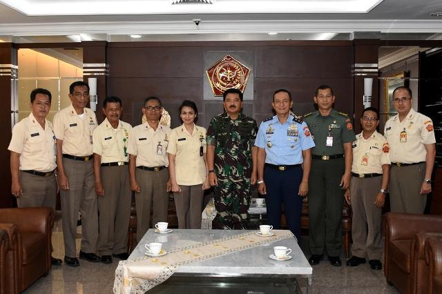 Panglima TNI Terima Ketua Dewan Pengurus KORPRI TNI