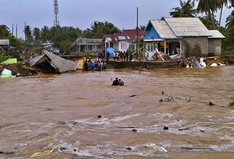 BNPB: Banjir, Longsor dan Puting Beliung Tewaskan 69 Orang, 7 Orang Masih Hilang