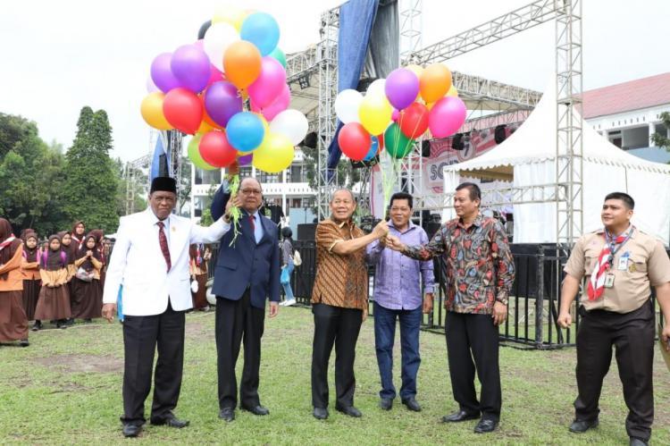 Walikota Medan Apresiasi Digelarnya Pentas Seni Perguruan Al Azhar Medan