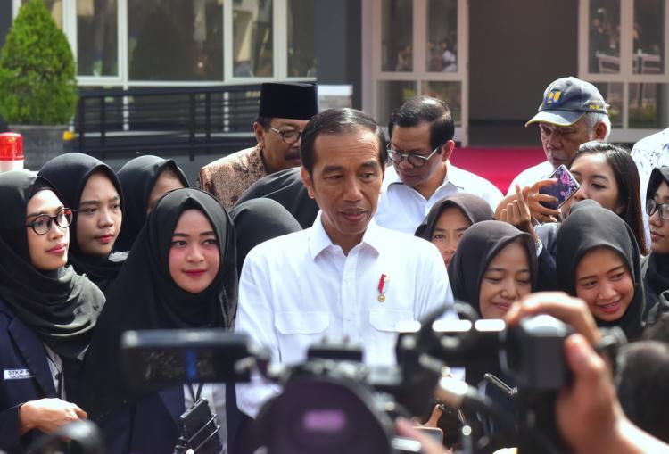 Presiden Jokowi: Harga Beras Stabil, Harga Daging Ayam Perlu Perhatian