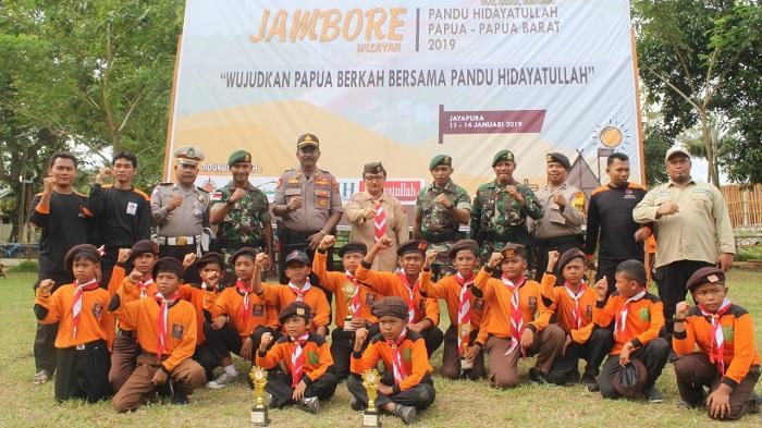 Satgas Pamtas Yonif PR 328/DGH Mengisi Kegiatan Jambore II di Jayapura