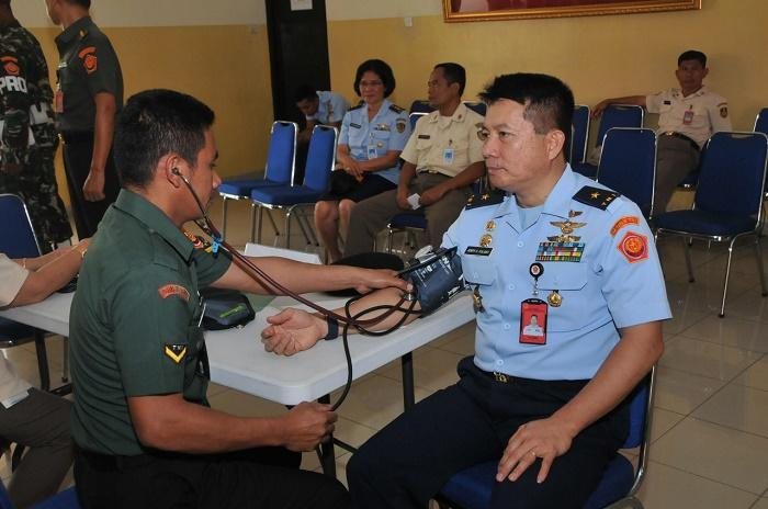 Ratusan Prajurit dan PNS TNI Donorkan Darah bersama PMI Sukabumi