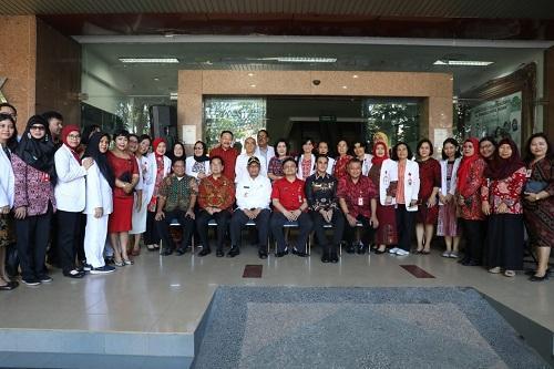 Plt Wali Kota Medan Pimpin Apel ke RSUD Dr Pirngadi, Bekerja Harus Optimal dan Bahagia