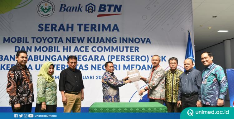 Lakukan Kerjasama dengan Unimed, Bank BTN Serahkan 2 Unit Mobil