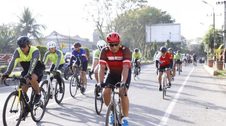 Gowes Bareng Kapolda Sumut dari Medan ke SPN Hinai Langkat