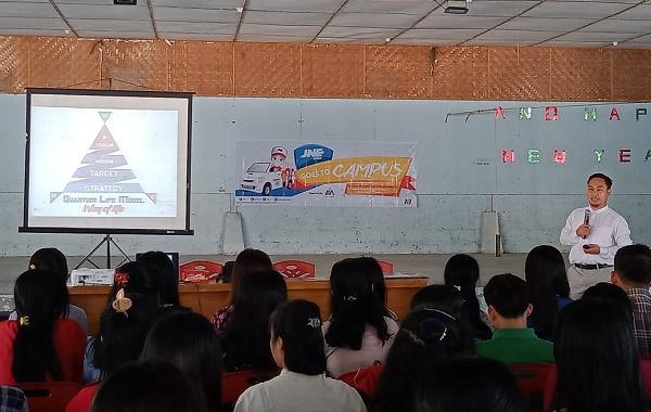JNE Medan Gelar Seminar Asah Ide dan Inovatif dalam Berbisnis di Tiga Kampus di Pulau Nias