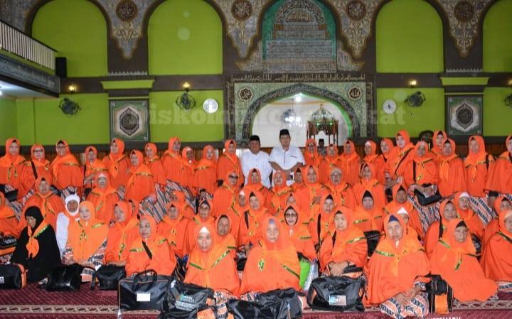 Bupati Langkat Lepas Keberangkatan 103 Jamaah Umroh