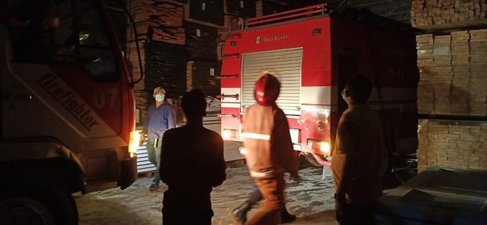 Kebakaran Pabrik Meubel di Tanjung Morawa, Kerugian Ditaksir Setengah Milyar Rupiah