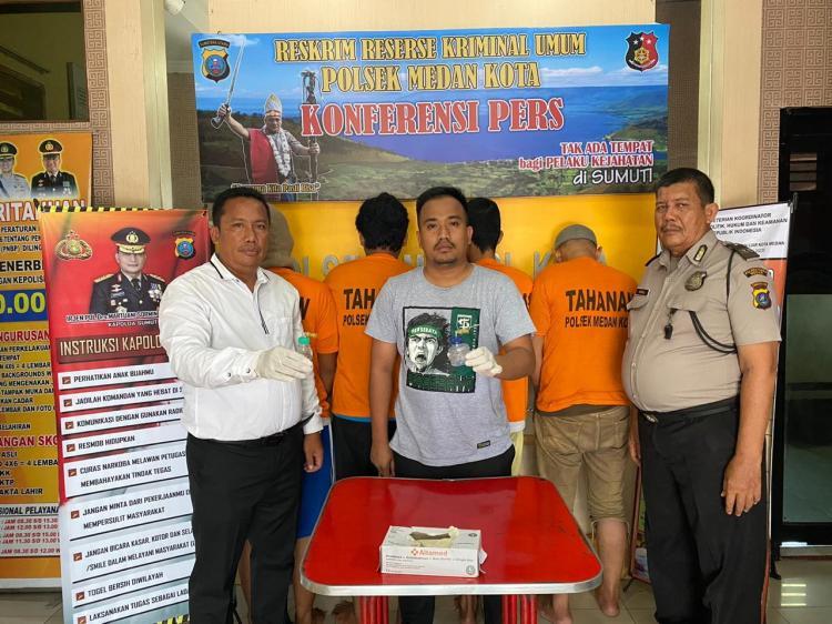 Pesta Sabu di  Jalan Mangkubumi Medan, 4 Pemuda Ditangkap