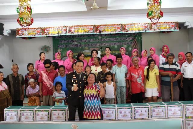 Kapolres Sergai Berbagi Kasih Natal ke Gereja Panti Sosial Tuna Netra di Perbaungan