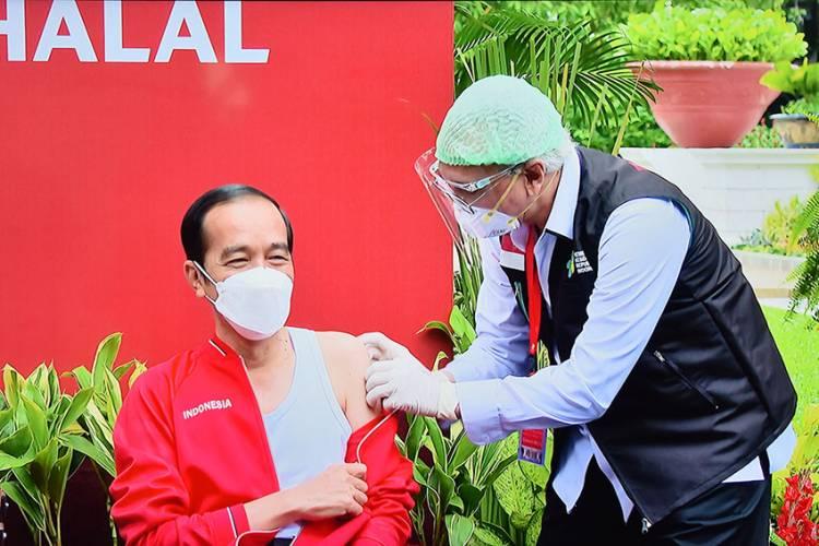 Presiden Jokowi Kembali Disuntik Vaksin Covid-19 Dosis Kedua
