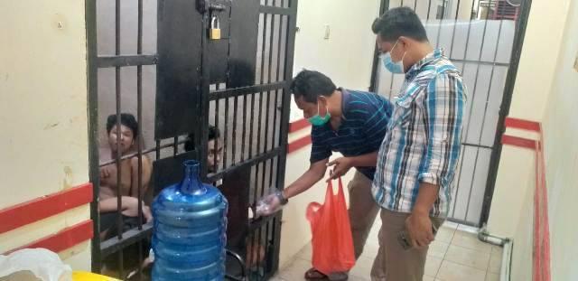 Antisipasi Kelaparan dan Penyakit Diabetes, Tahanan di Polsek Medan Baru dapat Makanan Lezat
